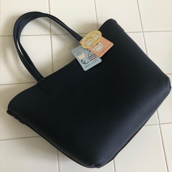 Via Del Toritone Bags   Navy Shoulder Bag With Patterned Inside ... 5ba95c9e94